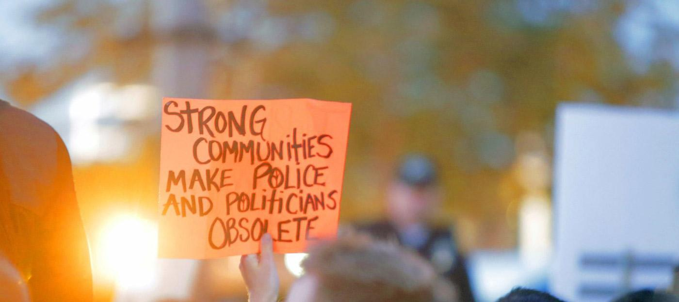 Strong communities make police and politicinas obsolet!